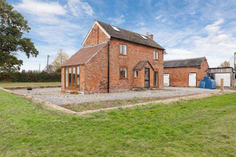 3 Bedrooms Farm House Character Property for sale in Whitchurch Road, Broomhall, Nr Nantwich