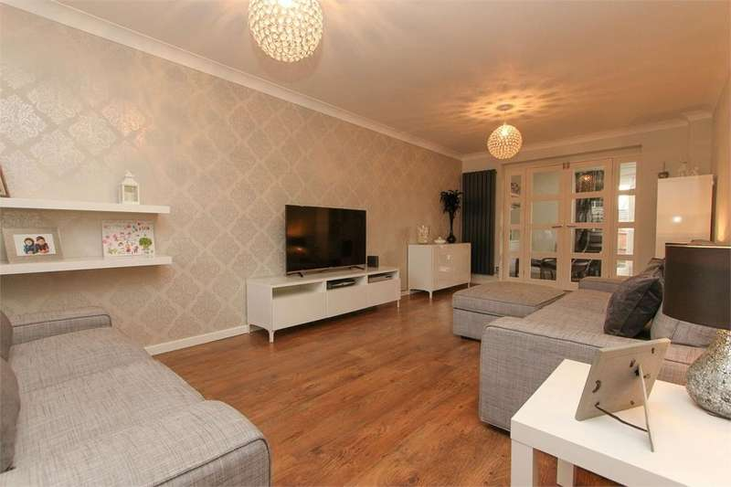4 Bedrooms Detached House for sale in Mallow Way, Wymondham, Norfolk