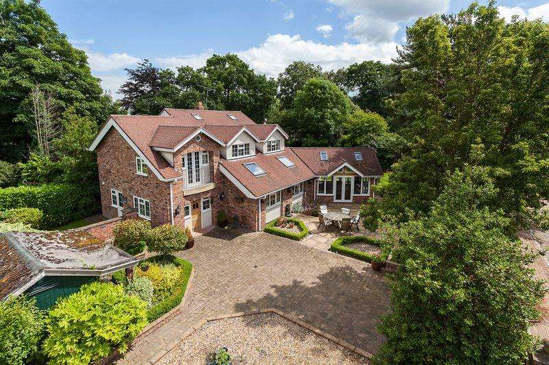 5 Bedrooms Detached House for sale in Littledales Lane, Gorstage Nr Hartford
