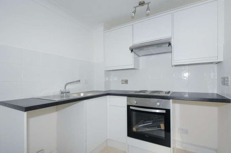 1 Bedroom Flat for sale in Lower Rock Gardens Brighton BN2