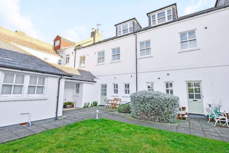 3 Bedrooms Terraced House for sale in Havelock Road Brighton East Sussex BN1