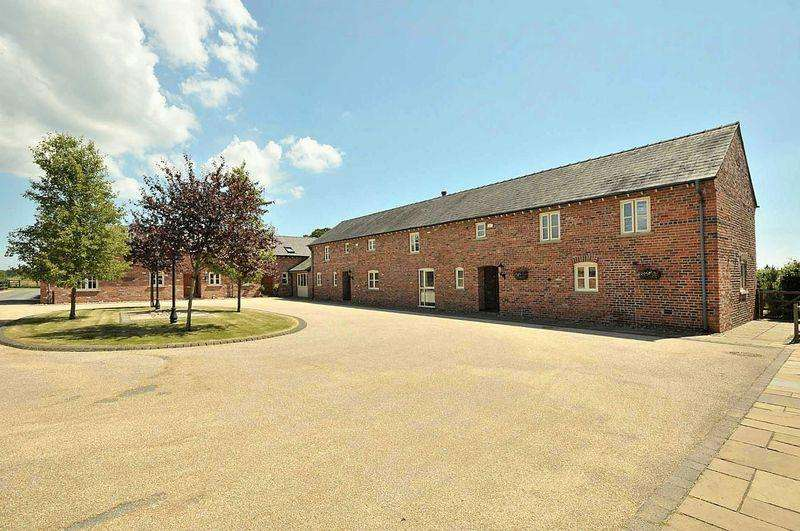 4 Bedrooms Barn Conversion Character Property for sale in Knutsford Road, Cranage