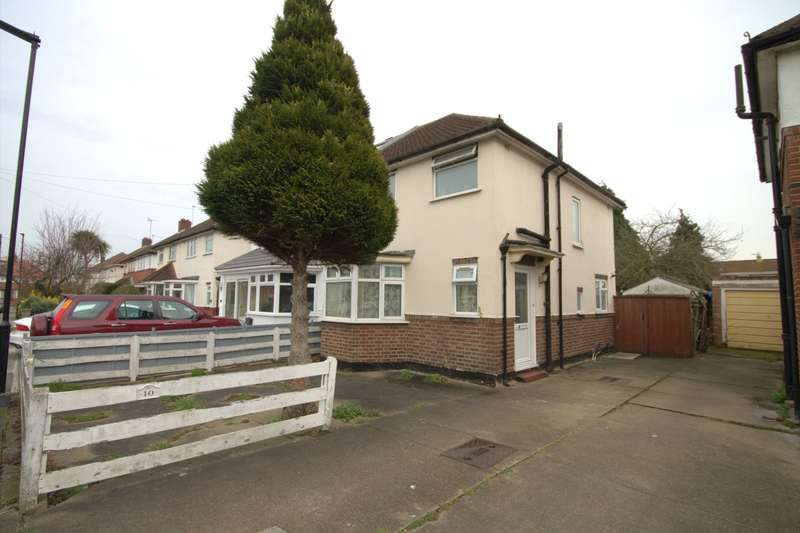 3 Bedrooms Semi Detached House for sale in Lincoln Road, Feltham, TW13