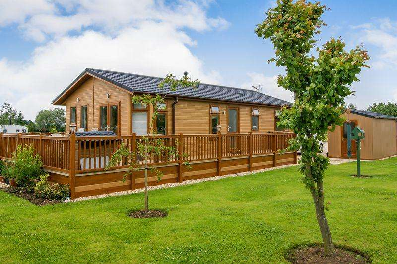 2 Bedrooms Park Home Mobile Home for sale in Cliff Lane, Grantham