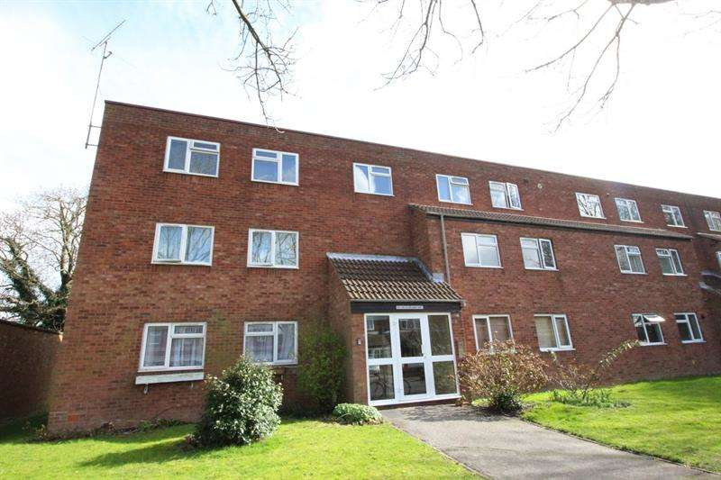 2 Bedrooms Flat for sale in St. Barbara Way, Portsmouth