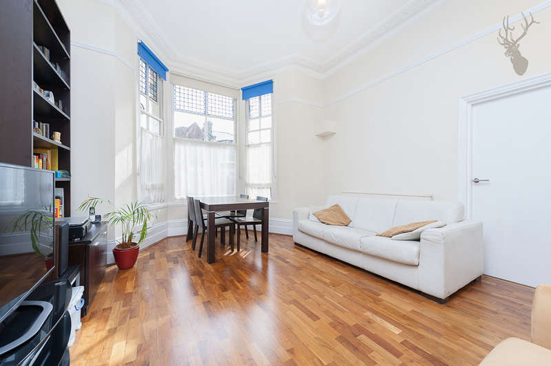1 Bedroom Flat for sale in Osbaldeston Road, Stoke Newington, N16