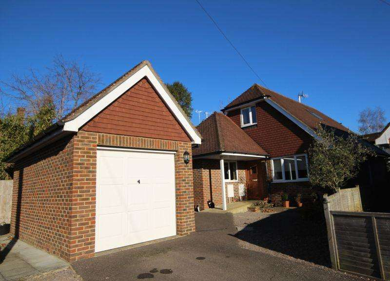 3 Bedrooms Detached House for sale in Vale Road, Haywards Heath, West Sussex