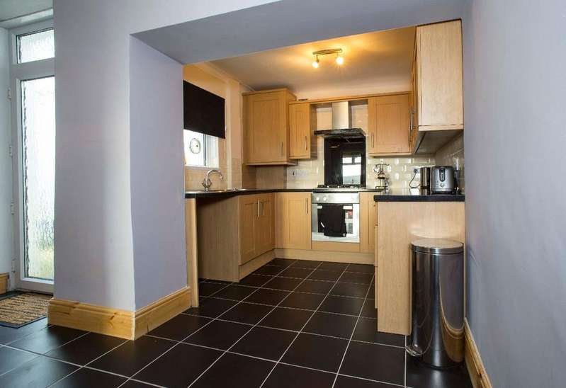 3 Bedrooms Terraced House for sale in Brynteg, Treharris, CF46 5RF