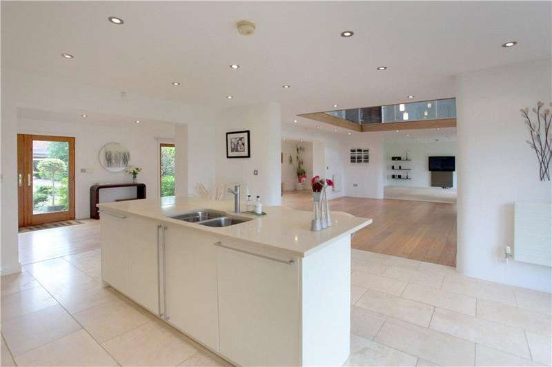 5 Bedrooms Mews House for sale in Broad Lane, Grappenhall, Warrington, Cheshire, WA4