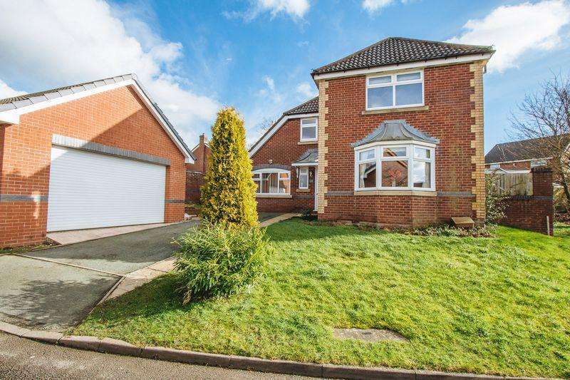 4 Bedrooms Detached House for sale in Mountside Gardens, Leek