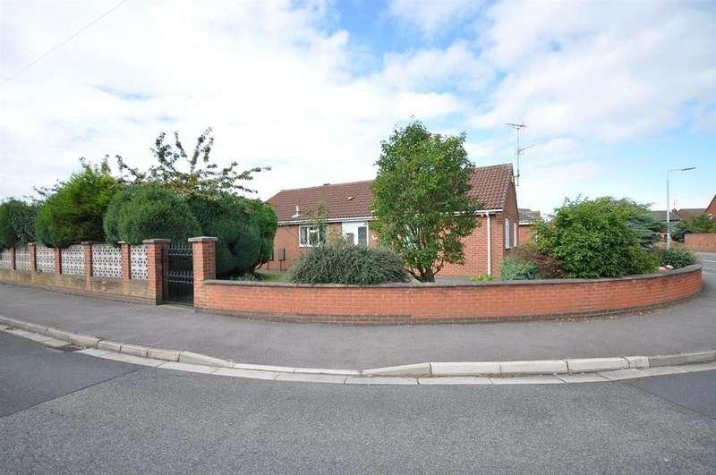 3 Bedrooms Detached Bungalow for sale in Deepdale Gardens, Sutton-in-Ashfield