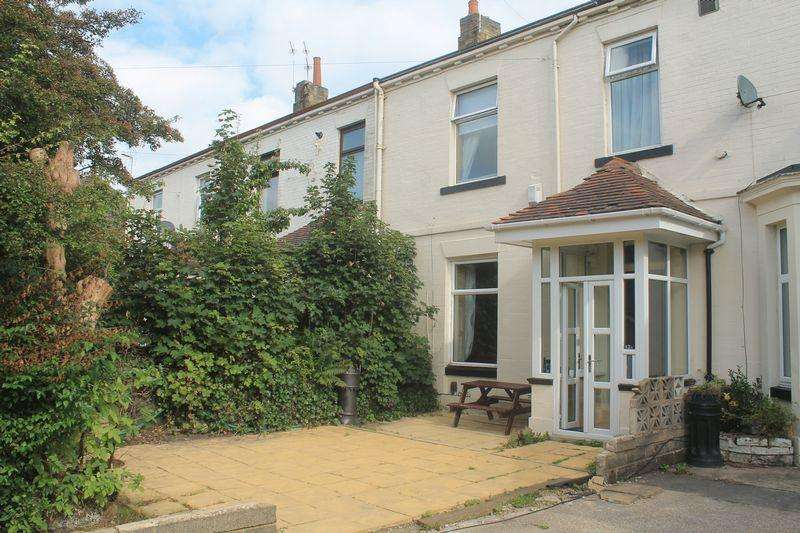 3 Bedrooms Terraced House for sale in Smiddles Lane, Bradford