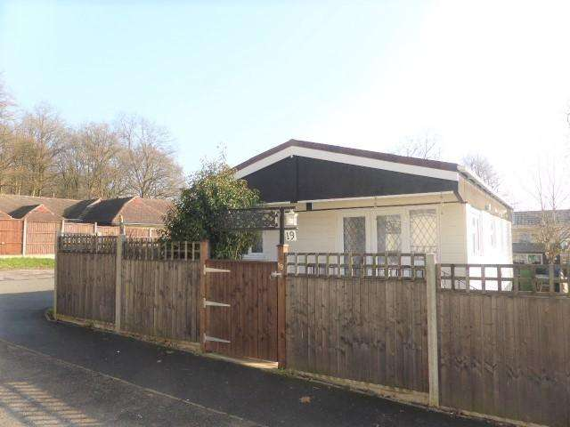 2 Bedrooms Park Home Mobile Home for sale in Duffins Orchard