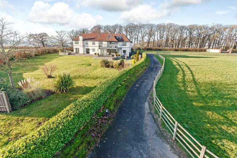 6 Bedrooms Detached House for sale in Tremeirchion, Nr St Asaph, Denbighshire, LL17