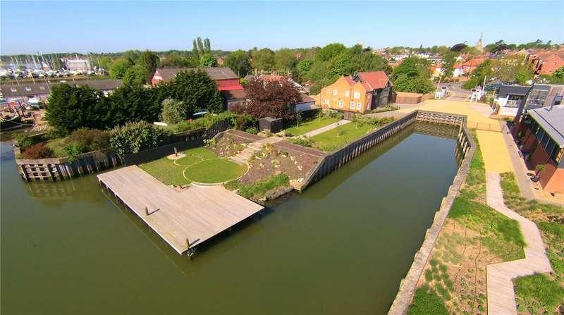 4 Bedrooms Detached House for sale in Riverside, Woodbridge, Suffolk, IP12