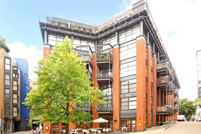 2 Bedrooms Flat for sale in City Pavilion, 33 Britton Street, London, EC1M