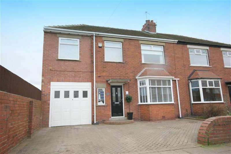 4 Bedrooms Semi Detached House for sale in Hartington Road, Cullercoats, Tyne Wear, NE30