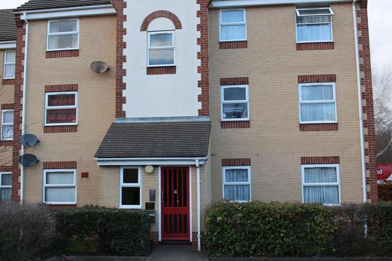 2 Bedrooms Flat for rent in Chadwell Heath RM6
