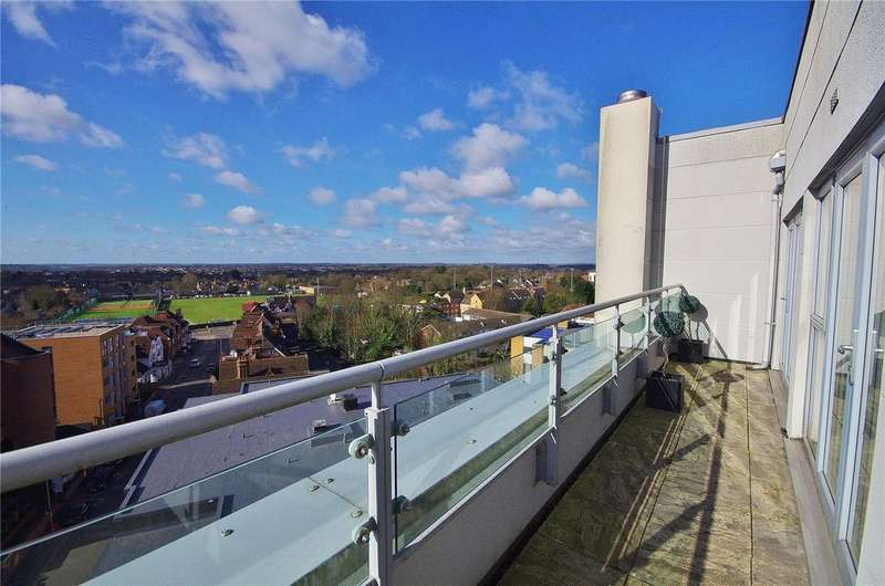 2 Bedrooms Apartment Flat for sale in Wilmington Close, Watford, Hertfordshire, WD18