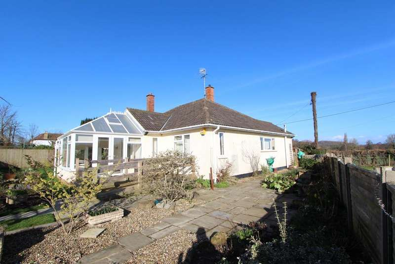 3 Bedrooms Detached Bungalow for sale in Close to Winscombe village