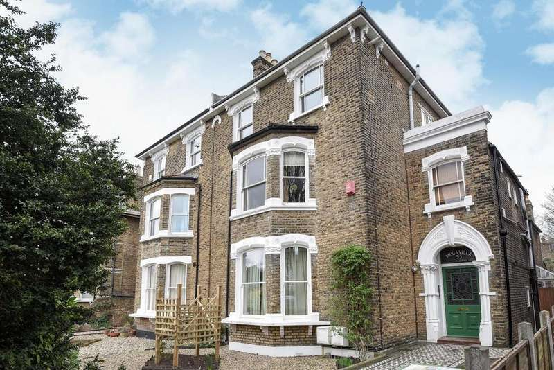 2 Bedrooms Flat for sale in Breakspears Road, Brockley, SE4