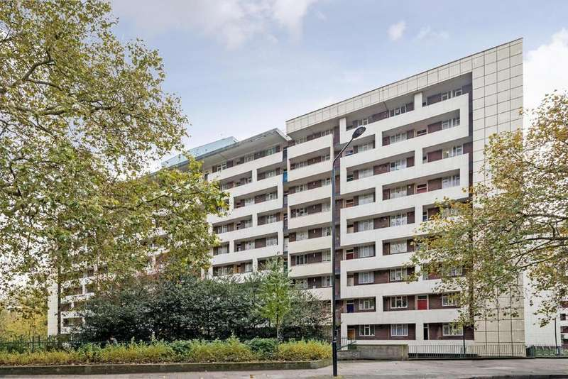 3 Bedrooms Flat for sale in Hallfield Estate, Bayswater, W2