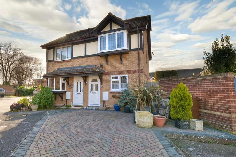 2 Bedrooms Semi Detached House for sale in Forge Way, Paddock Wood