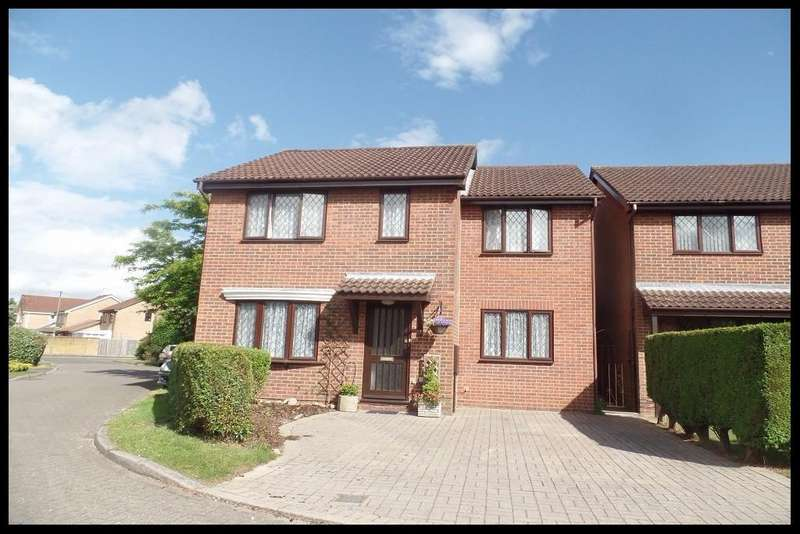 5 Bedrooms Detached House for sale in Maple Gardens, West Totton, Southampton SO40
