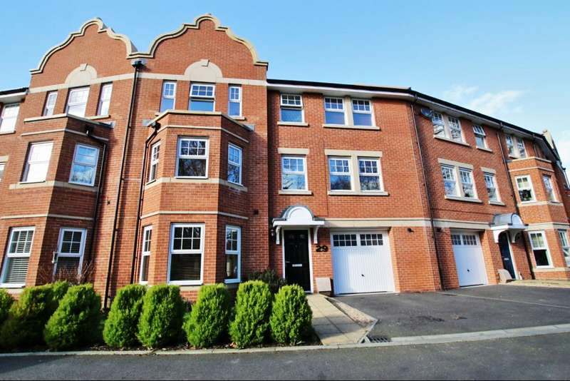 4 Bedrooms Town House for sale in Buckle Gardens, Hellingly BN27