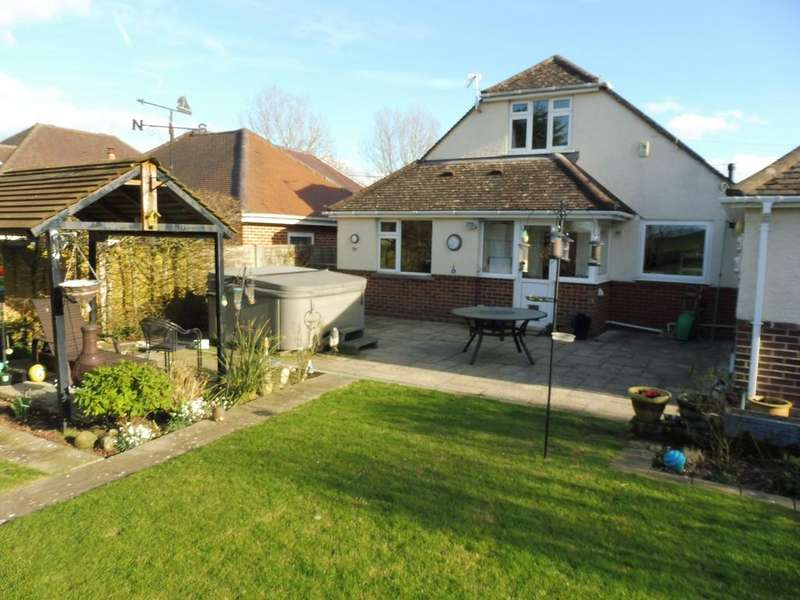 4 Bedrooms Chalet House for sale in Dullar Lane, Sturminster Marshall, Wimborne BH21