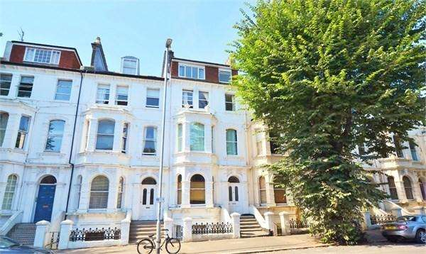 2 Bedrooms Flat for sale in Tisbury Road, HOVE, BN3