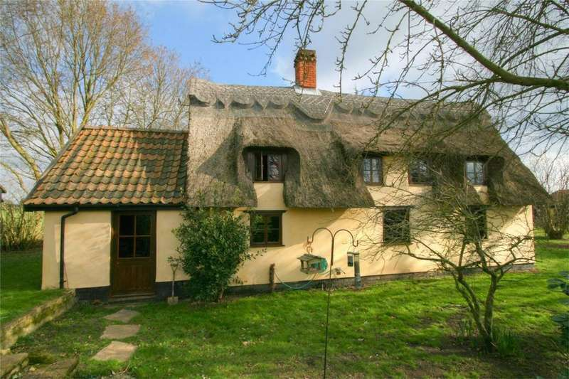 4 Bedrooms Cottage House for sale in The Moor NR16 2BX, Banham Moor, NORWICH, Norfolk