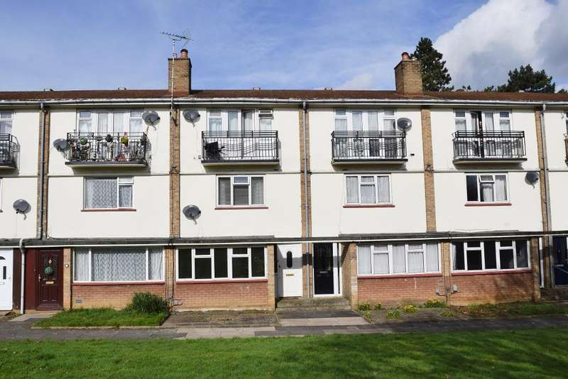 2 Bedrooms Maisonette Flat for sale in Spring Hills, Harlow, CM20 1SZ