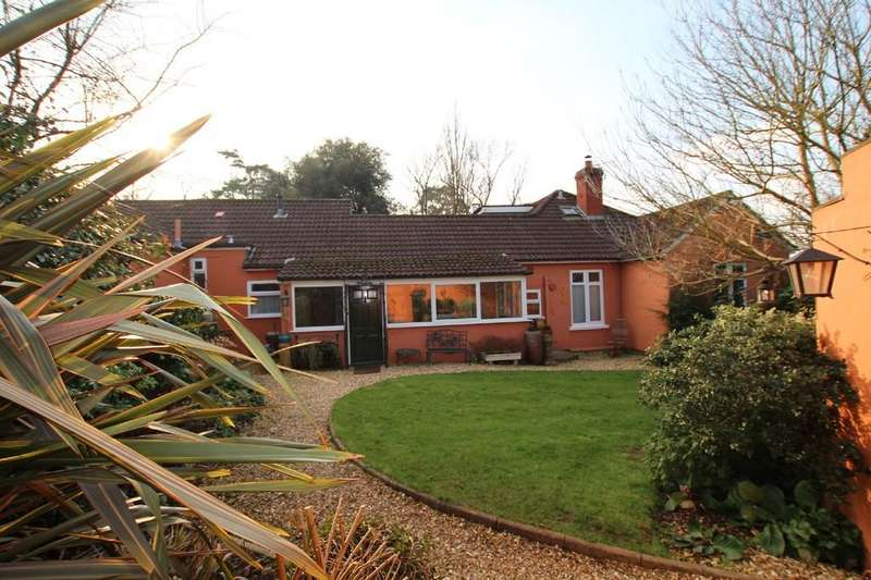 4 Bedrooms Detached House for sale in Main Road, Cleeve