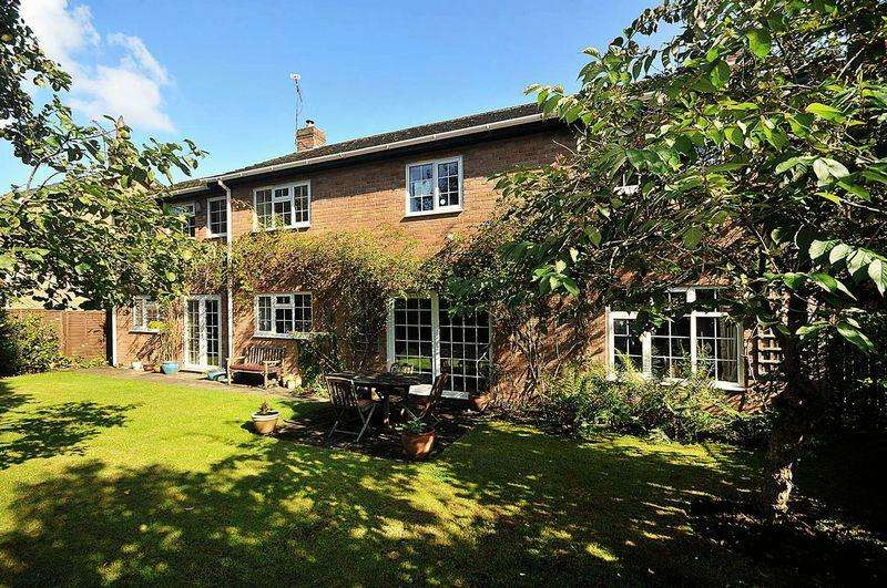 4 Bedrooms Detached House for sale in Beech Close, Ollerton