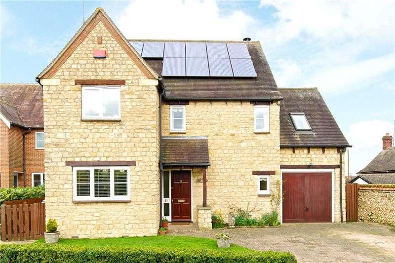 3 Bedrooms Detached House for sale in Carriers Close, Hanslope, Milton Keynes, Buckinghamshire