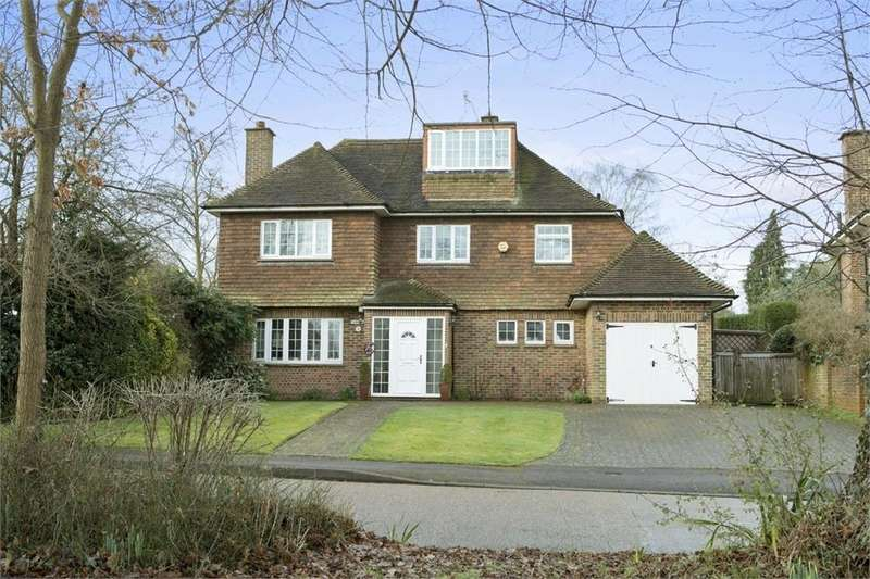 5 Bedrooms Detached House for sale in Woodlands Park, Guildford, Surrey