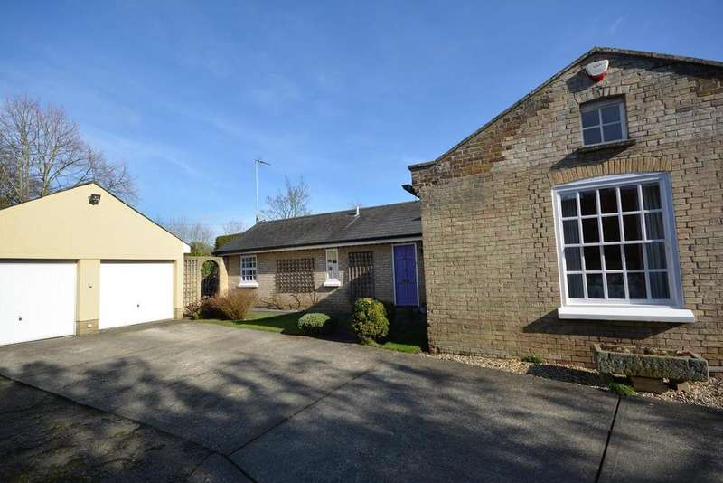 2 Bedrooms Detached Bungalow for sale in Church Lane, Braintree, Essex, CM7
