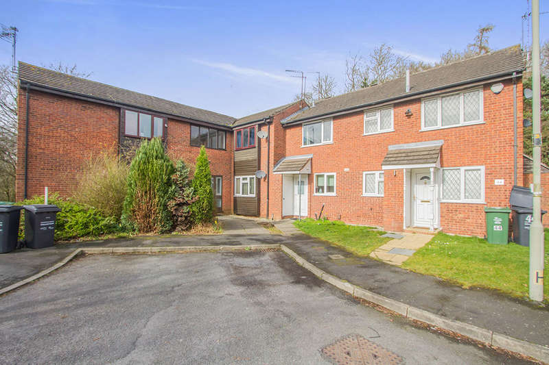 Flat for sale in Leighton Avenue, Loughborough, LE11