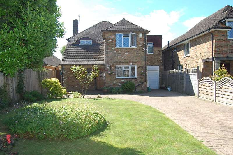 4 Bedrooms Detached House for sale in Copthall Lane, Chalfont St. Peter, SL9