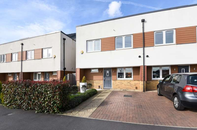 4 Bedrooms House for sale in Meadowview Road, Raynes Park, SW20