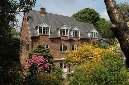 5 Bedrooms Detached House for sale in Cottage Lane, Macclesfield, Cheshire