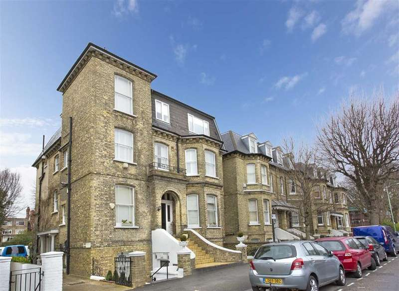 3 Bedrooms Flat for sale in Wilbury Road, Hove