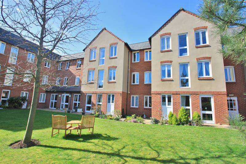 1 Bedroom Flat for sale in Station Street, Ross-On-Wye