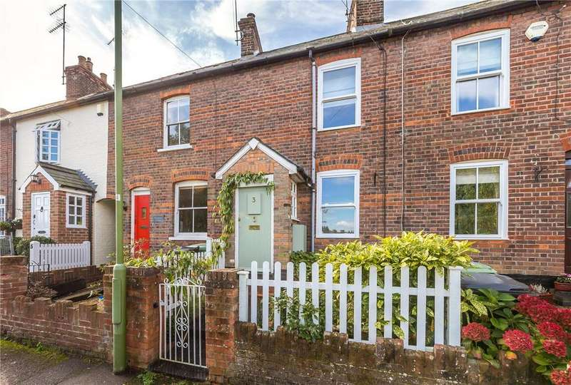 2 Bedrooms Terraced House for sale in Marquis Lane, Harpenden, Hertfordshire