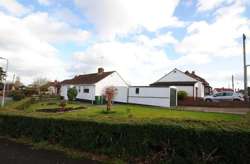 2 Bedrooms Bungalow for sale in St. Michaels Crescent, Taunton
