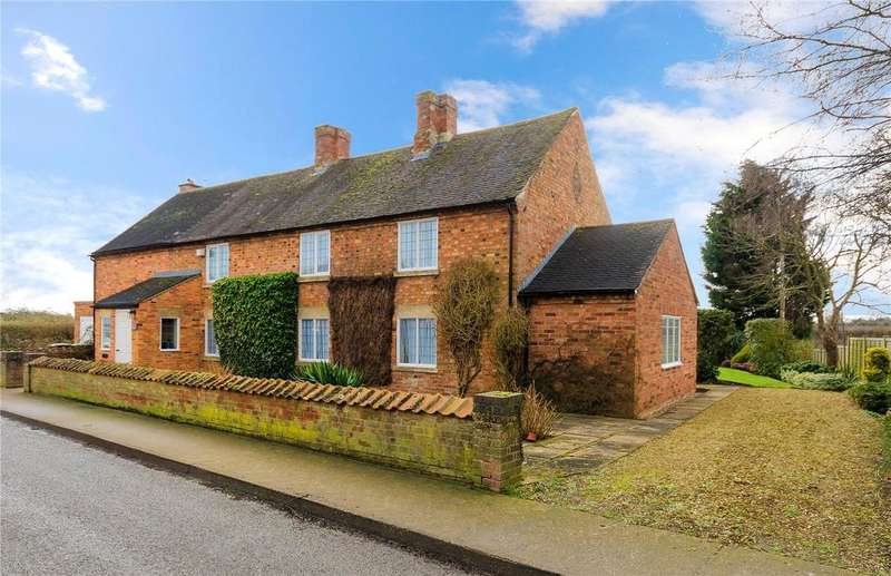 3 Bedrooms Detached House for sale in Swarby, Sleaford, Lincolnshire, NG34