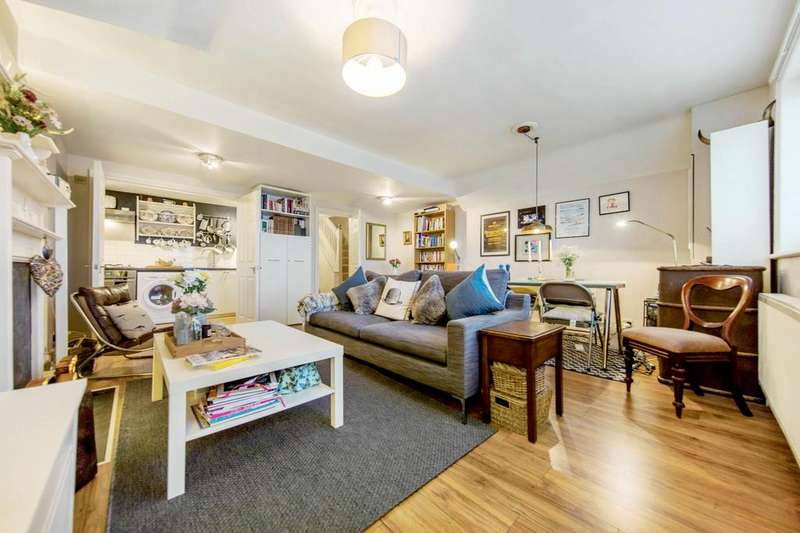 3 Bedrooms Flat for sale in Drewstead Road, SW16