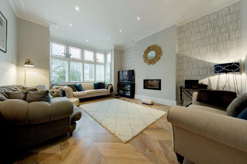 5 Bedrooms Semi Detached House for sale in Wyatt Park Road, SW2