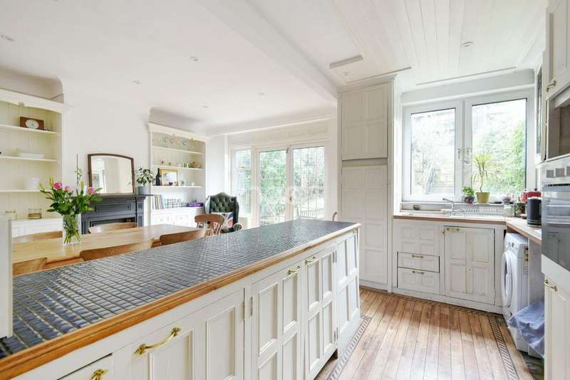 3 Bedrooms Terraced House for sale in Patterson Road, Crystal Palace, SE19